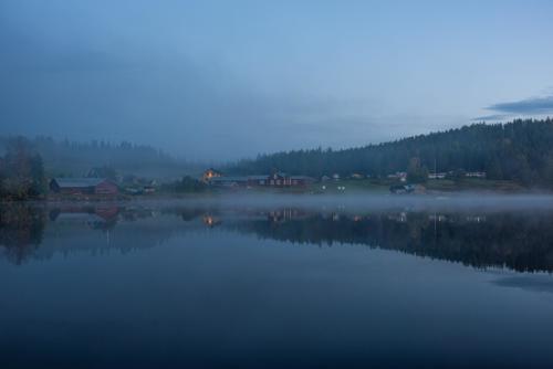Otroligt stämningsfullt i Kannusjärvi. Magiskt vackert vid skymning när det är vindstilla.