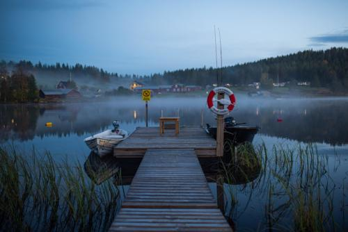 Kannusjärvi i skymning. Härligt med dimman som  rullar in!
