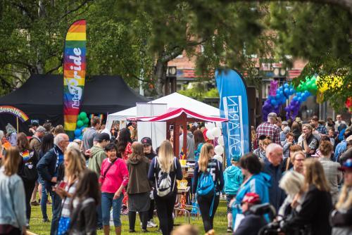 Många sponsorer på plats.Luleå Pride 2018.